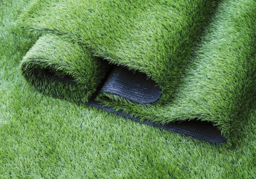 Artificial grass in the garden